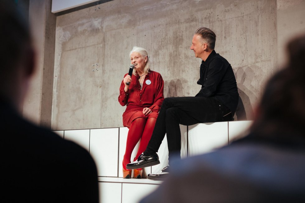 Dame Vivienne Westwood on stage. Foto: Samuel Smelty for Zalando - Dame Vivienne Westwood: