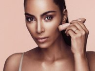 KKW Beauty: Kim Kardashian lancerer crème contour og highlight kit